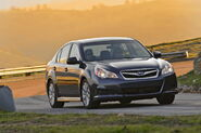 2010-Subaru-Legacy-10