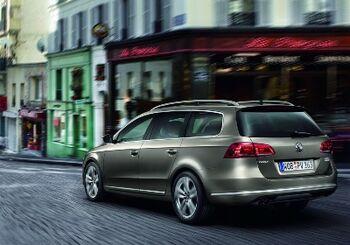 2011-VW-Passat-18amlAA