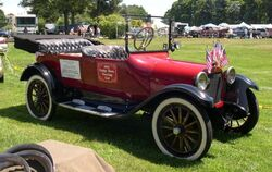 800px-1917 Dodge Touring Car