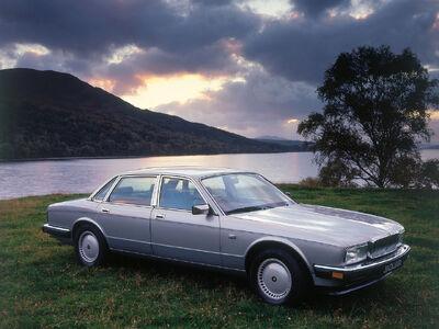 1986-1994-Jaguar-Sovereign-Silver-1280x960