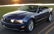 2010-Ford-Mustang-0