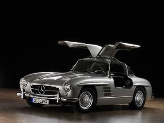 Mercedes-benz-300sl-gullwing-replica-by-gullwing-gmbh 100181687 l