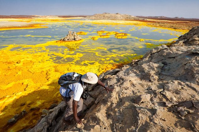 File:Yellow Lake.jpg