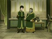 Iroh y Zuko en su tienda de té