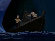 Piratas con la gelatina explosiva subiendo al barco