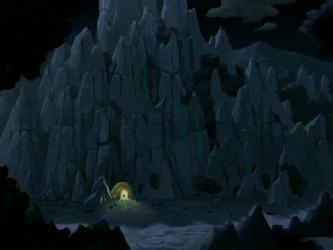 File:Earth Rumble VI cave entrance.png