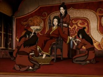 File:Azula's servants.png