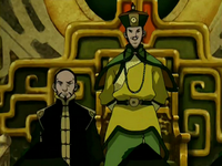 Long Feng standing beside Earth King