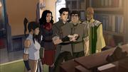 Aiwei y el equipo avatar encontrando evidencias