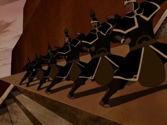 File:Royal Earthbender Guards fighting stance.png