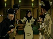 Joo Dee entdeckt Team Avatar auf Erdkönigs Party