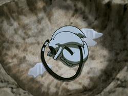 Momo ligt in de pootafdruk van Appa