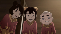 Ikki presentando a su familia