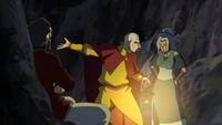 Tenzin, Kya, y Bumi discutiendo sobre su infancia