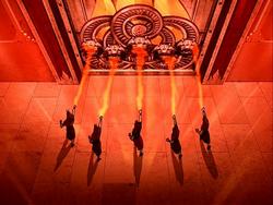 Grote toegangsdeuren naar het heiligdom