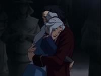 Kya abrazando a Bumi