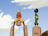 Toph enseñándole a Aang