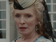 Lindsay Duncan as Helen Kingsleigh (AIW)