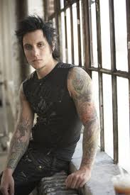 File:Synyster Gates.jpg