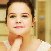 Bailee-Madison-little-Snow-once-upon-a-time-31166719-245-245