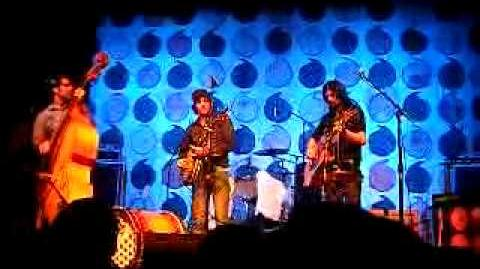Pretty Girl From Locust - The Avett Brothers - Madison Theatre, Covington, KY - 6 21 09