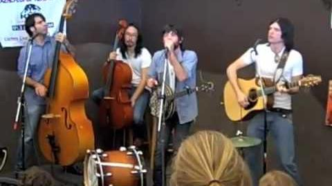 "The Avett Brothers ""Paranoia in B Flat Major"" — Tucson, AZ — 5-7-2009"