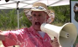 Bernie Cockburn w megaphone