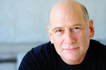Stephen Mendel headshot