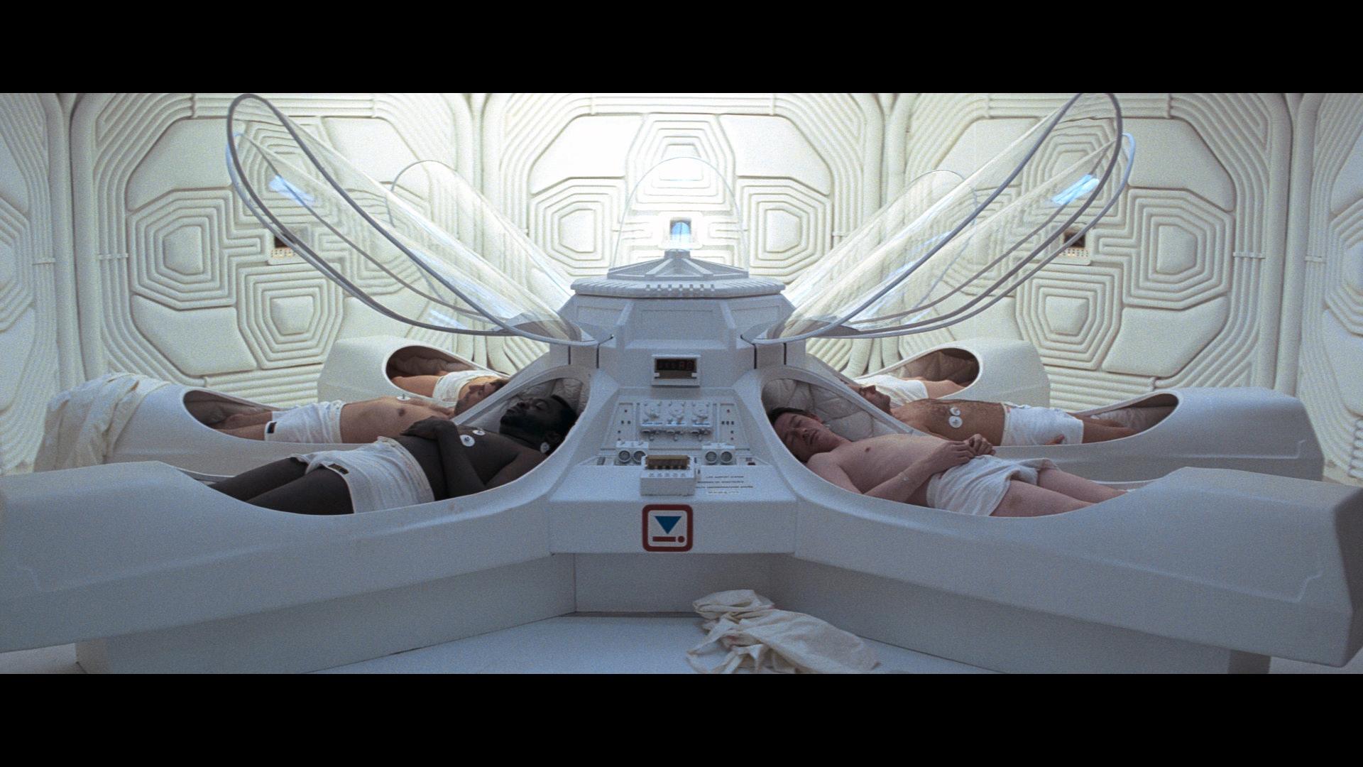 Passengers during the flight filmed three alien ships