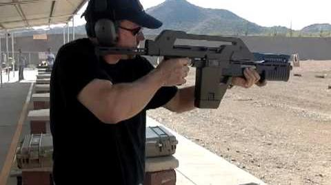 ALIENS Pulse Rifle M41-A shoots real ammunition, not blanks video 6