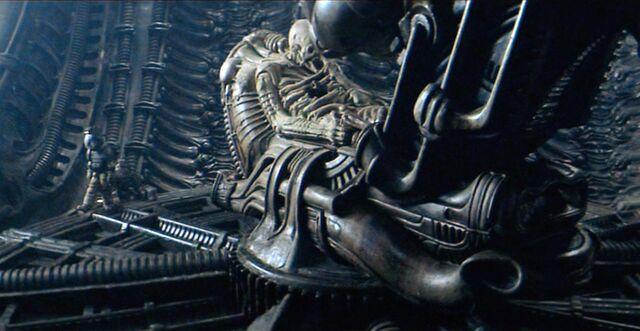 File:PILOT Alien 043.jpg