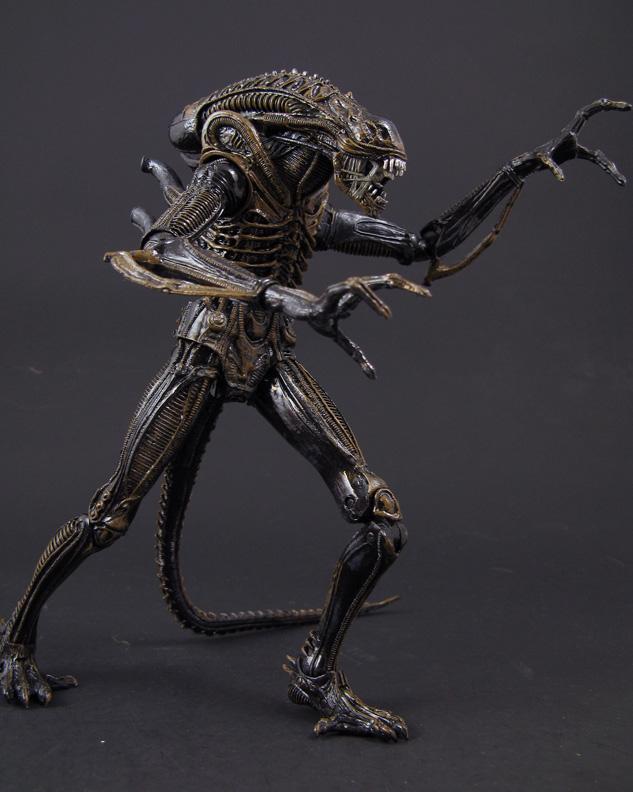 7 Red Warrior Action Figure 2-Pack NECA Aliens Genocide Black Warrior vs
