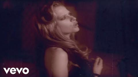 Avril Lavigne - Nobody's Home (VIDEO)
