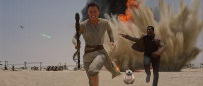 Finn Rey and BB-8 running