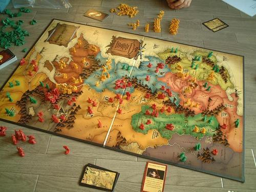 Risk Lord of the Rings Trilogy Edition