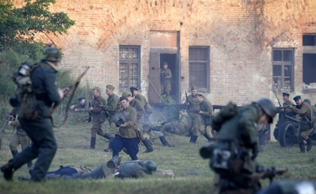File:Pb-110622-reenact-battle-ps.photoblog900.jpg