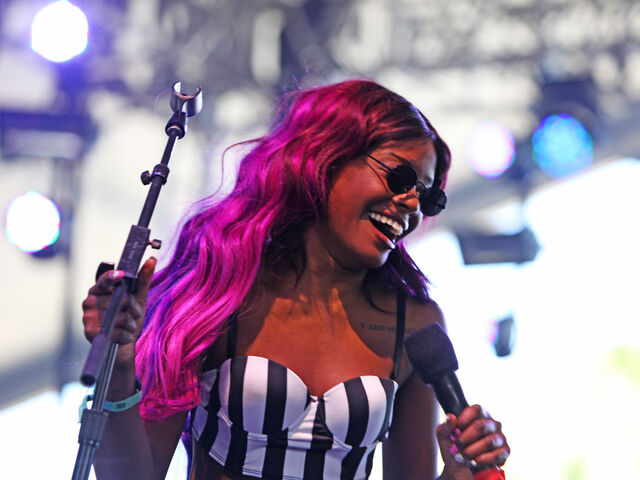 File:Azealia-Banks-coachella-day-2.jpg