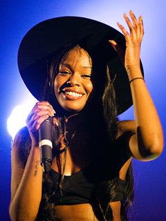 File:AzealiaBanksNMEAwards.jpg