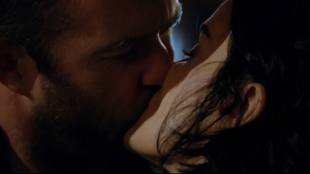 Blindspot Jane and Weller kiss