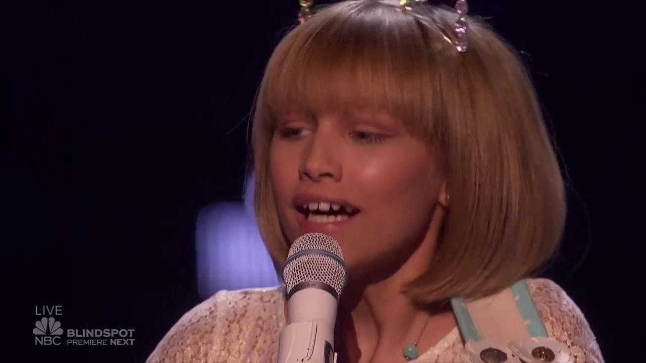 Grace Vanderwaal (Mothra) At The America's Got Talent Finale With Stevie Nicks (Toshi Yano)