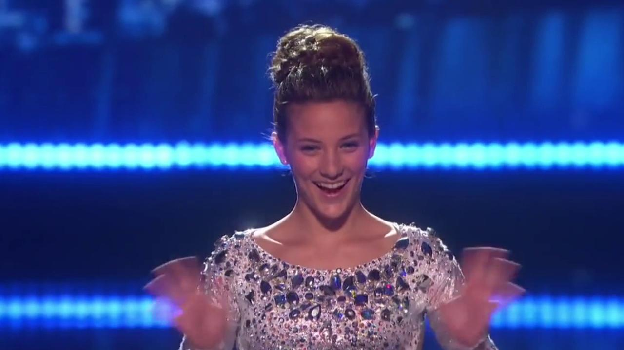 Sofie Dossi (Godzilla) Wins The Dunkin Save Act In The America's Got Talent Semi Finals