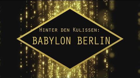 """Hinter den Kulissen von """"Babylon Berlin"""" Rundgang durch die """"Neue Berliner Straße"""""""