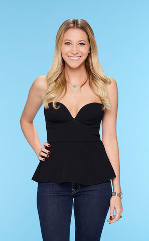 File:Lacey (Bachelor 21).jpg