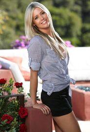 Natalie (Bachelor Pad 1)