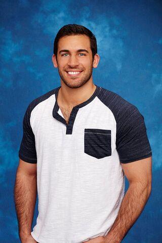 File:Derek (Bachelorette 12).jpg
