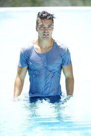 Dean (Bachelor in Paradise 4)