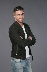 Joey (Bachelorette 15)