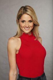 Lauren J (Bachelor 22)