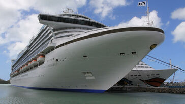 Antigua cruise ship 3-3022012-2-2495