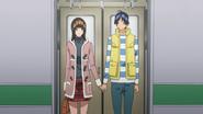Azuki i Mashiro trzymają się za ręce